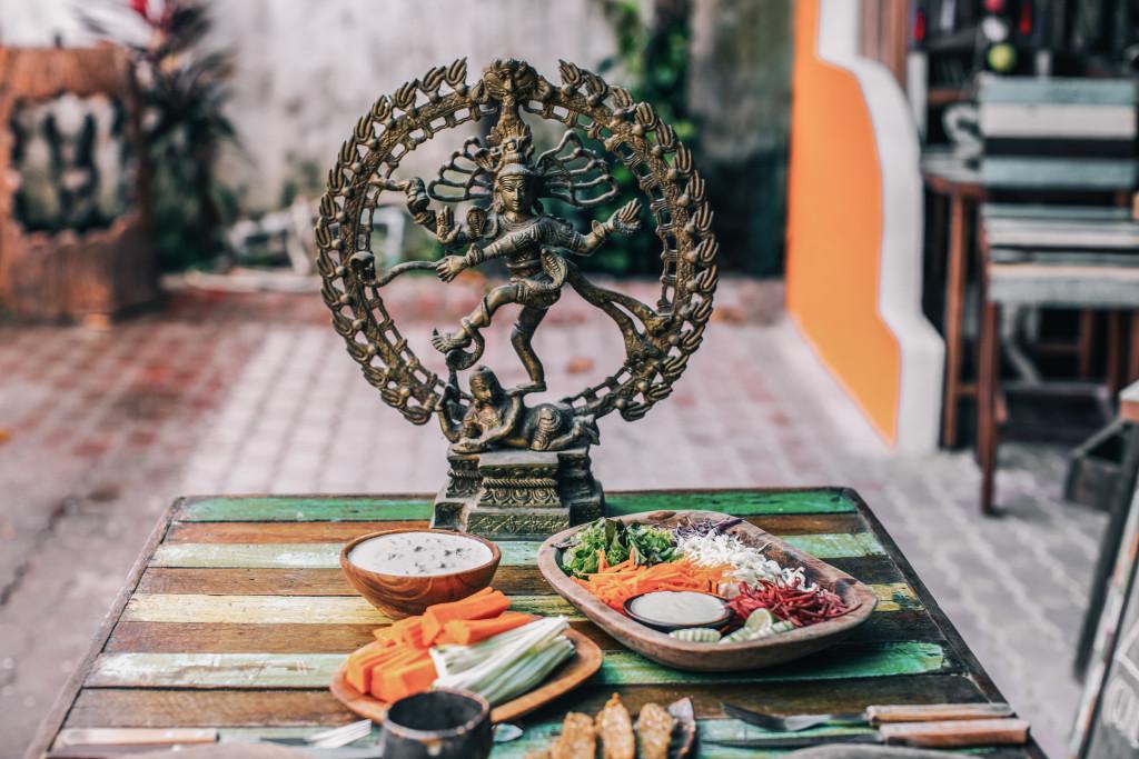 Table et Shiva (1 sur 1)